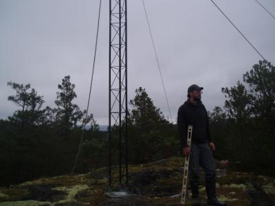 30' of new LIAS tower up on Higgin's Island,5.12.2011