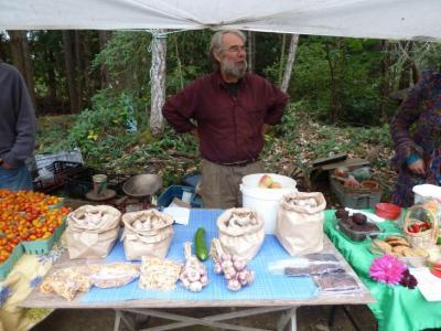 Peter with Heron Bay garlic